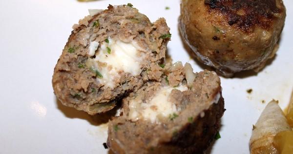 Recette de boulettes de boeuf au coeur de fromage fondu - Cuisiner le coeur de boeuf ...