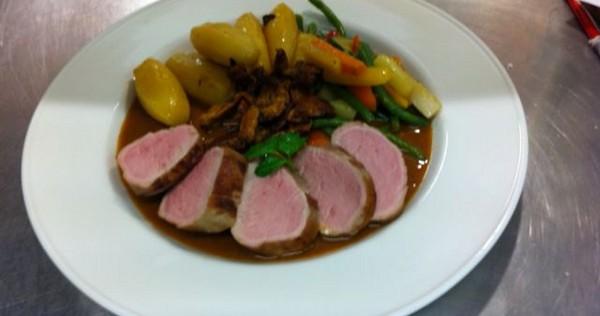 Recette de filet mignon de porc au vinaigre de framboise - Cuisiner filet mignon de porc ...
